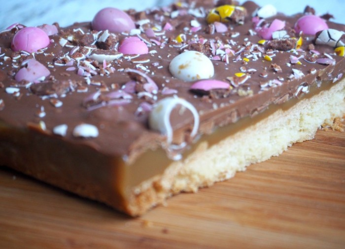 Mini Egg Caramel Shortbread