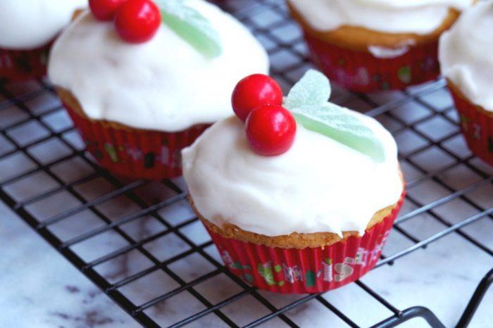 Easy Christmas Cupcakes 2
