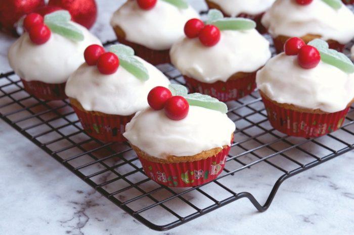 Easy Christmas Cupcakes 3