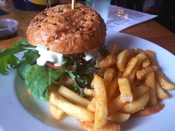 A weekend in Kangaroo Valley - The Friendly Inn burger