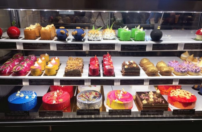48 hours in Canberra - Space kitchen cakes