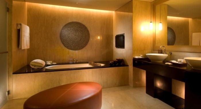 bathroom-conrad-suite-720-x-390