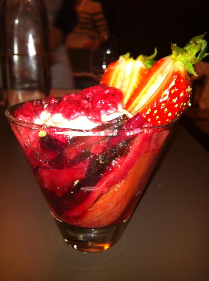 Rhubarb Mess, Mumu Grill