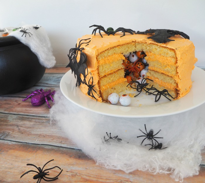 Create Bake Make Halloween Pinata Cake