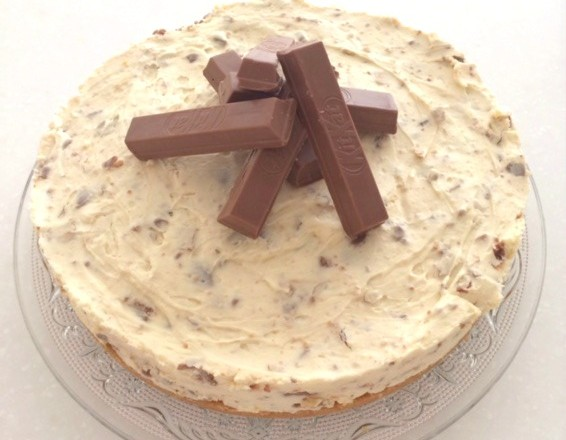 Kit Kat No-Bake Cheesecake