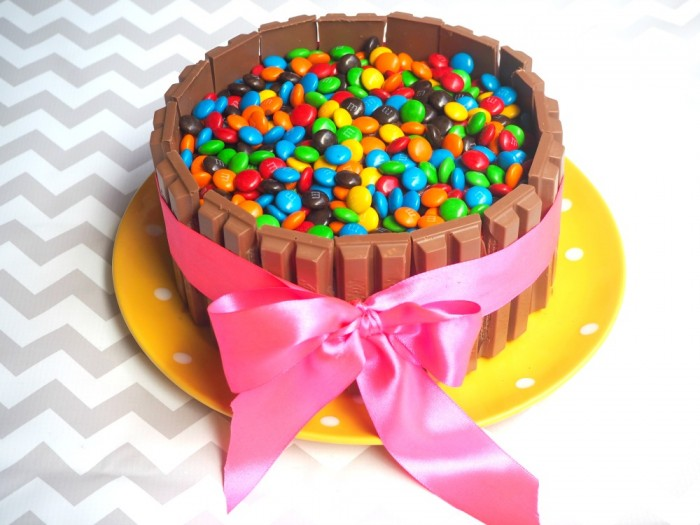 Making a Kit Kat Birthday Cake - 5 things you need to know