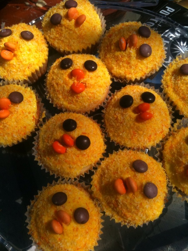 Veggie Mama Chick cup cakes