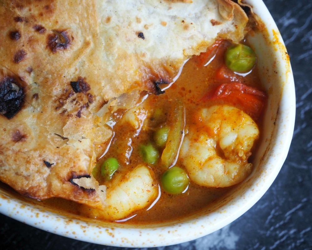 Balti Curry Prawn Roti Pies