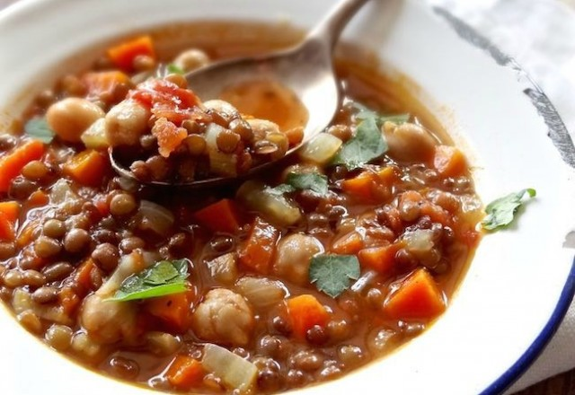 Meatless Monday – Hearty and Rustic Italian Lentil Soup