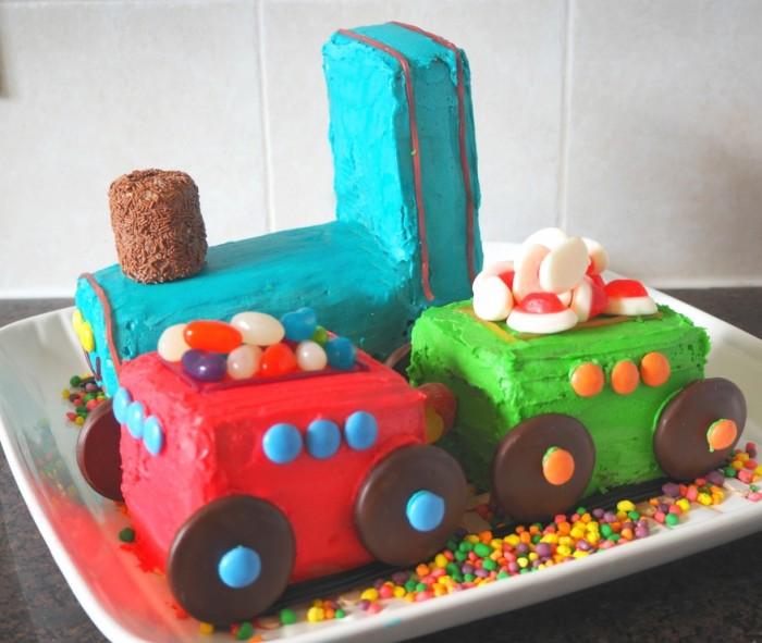 How to make the AWW train cake