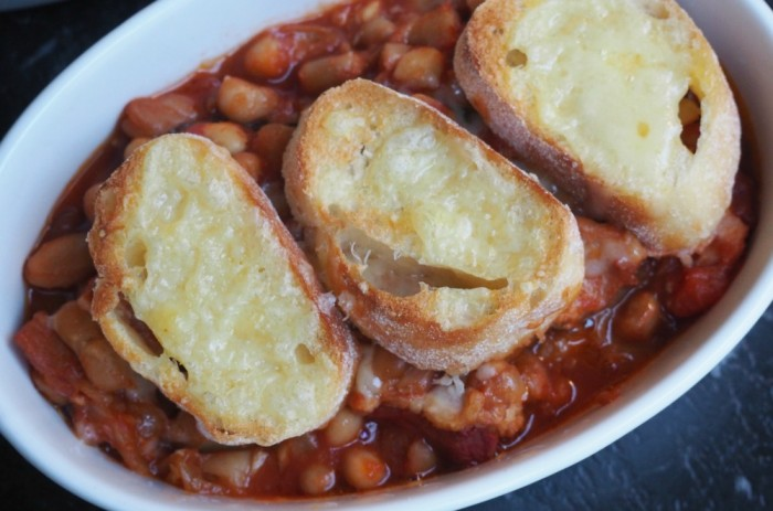 Slow cooker sausage and bean hotpot