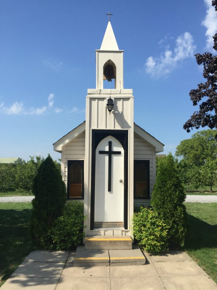 Things to do in Toronto - Smallest chapel