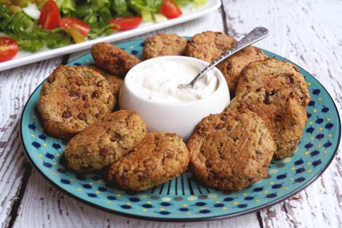 Lentil Felafel with Garlic Yoghurt Sauce