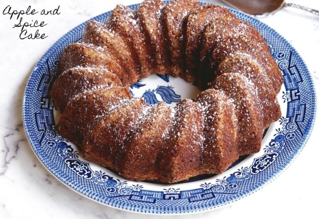 Apple and Spice Cake