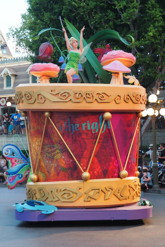 Taking stock Mickey's Soundsational Parade