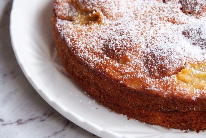 Apricot and Amaretti Cake 2