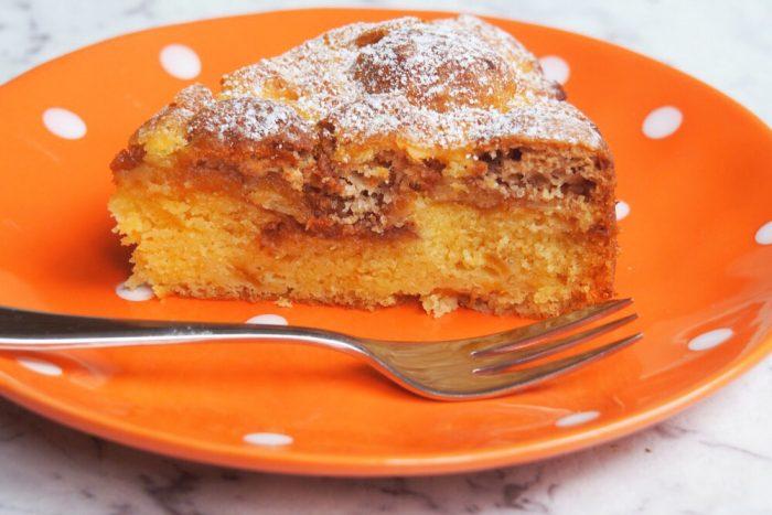 Apricot and Amaretti Cake 4