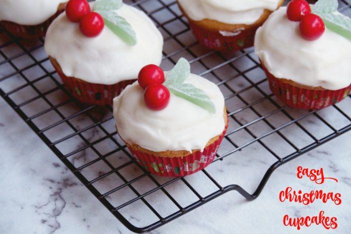 Easy Christmas Cupcakes 1