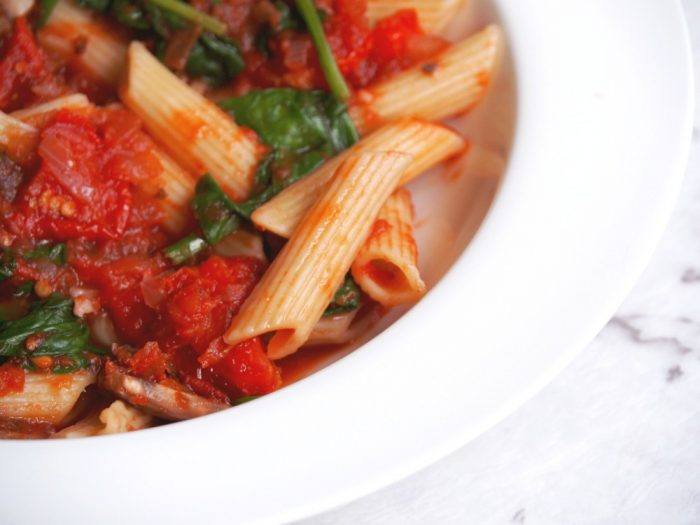 Pasta with chilli, tomatoes and spinach 2