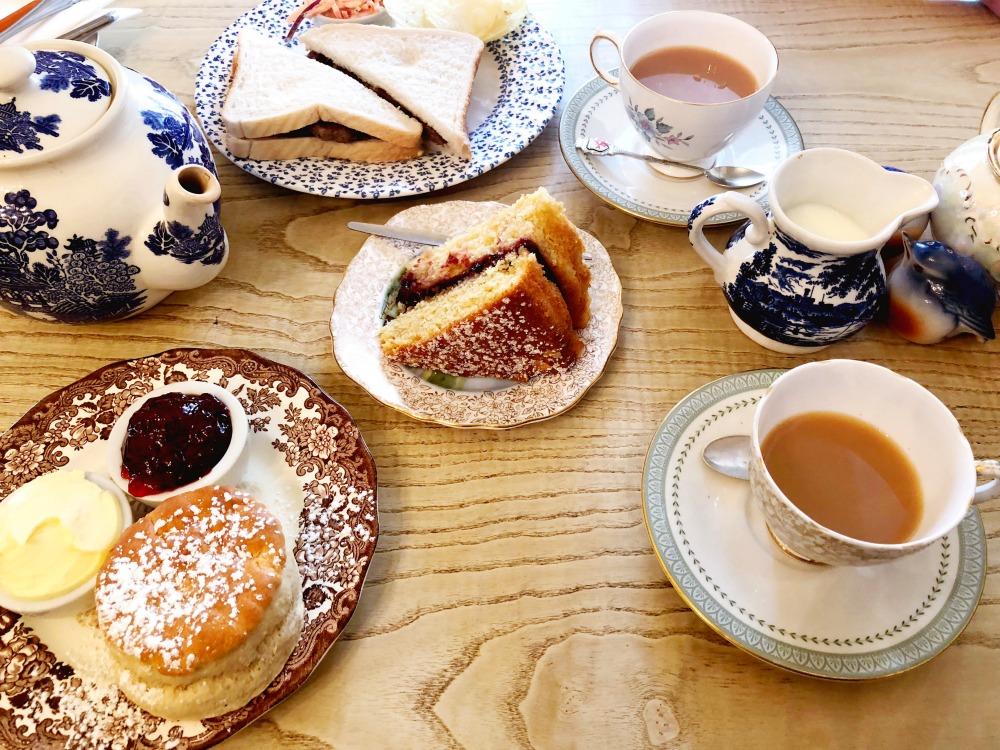 72-Hours-in-Lincoln-Buntys-Tearoom