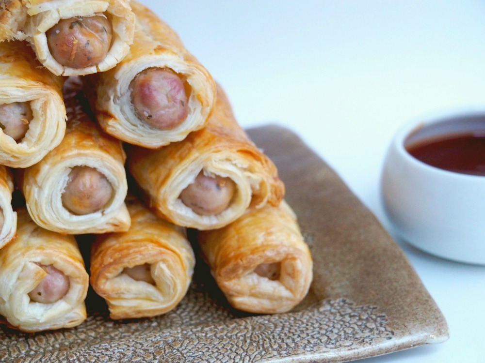 Chicken Sausage Rolls with barbecue sauce 2