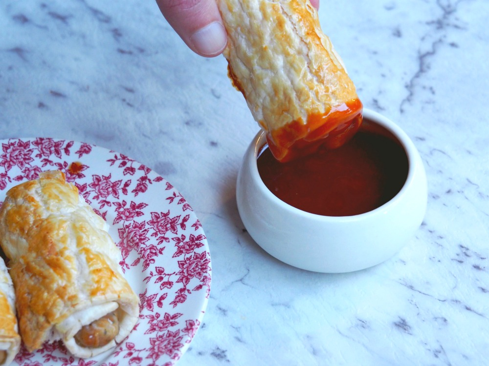 Chicken Sausage Rolls with barbecue sauce 4