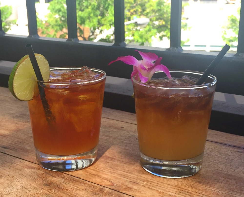 waikiki happy hours - tommy bahama 2