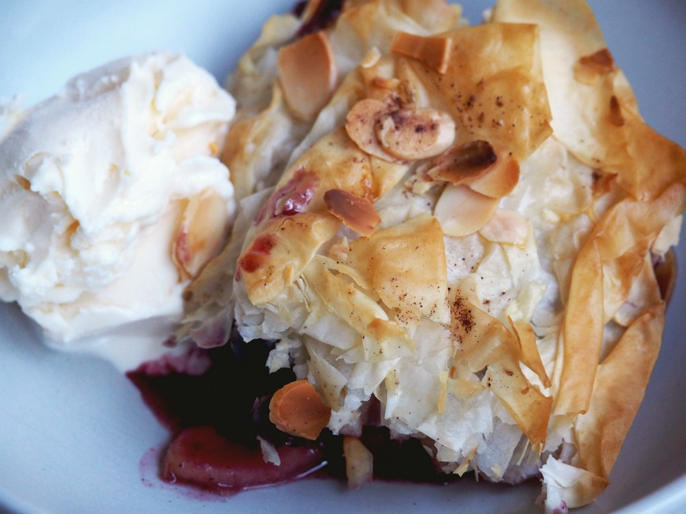 Apple-and-Blueberry-Filo-Pie-serve