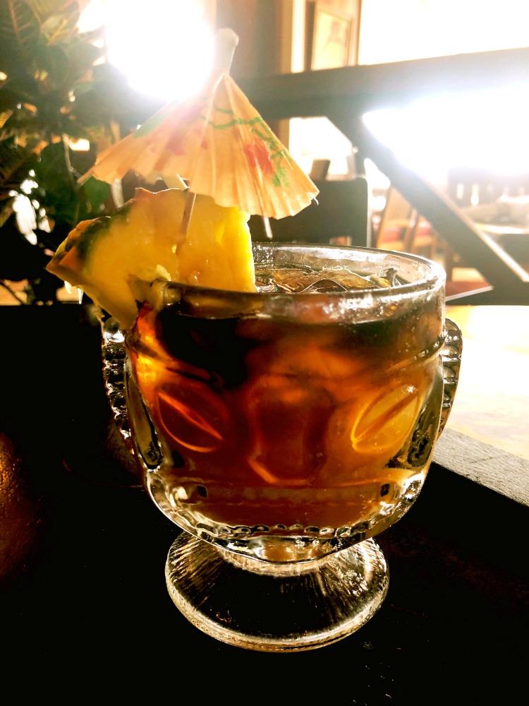 waikiki-happy-hours-mai-tai-plantation-bar