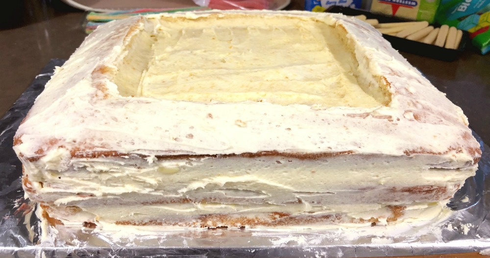 AWW swimming pool cake - crumb coat