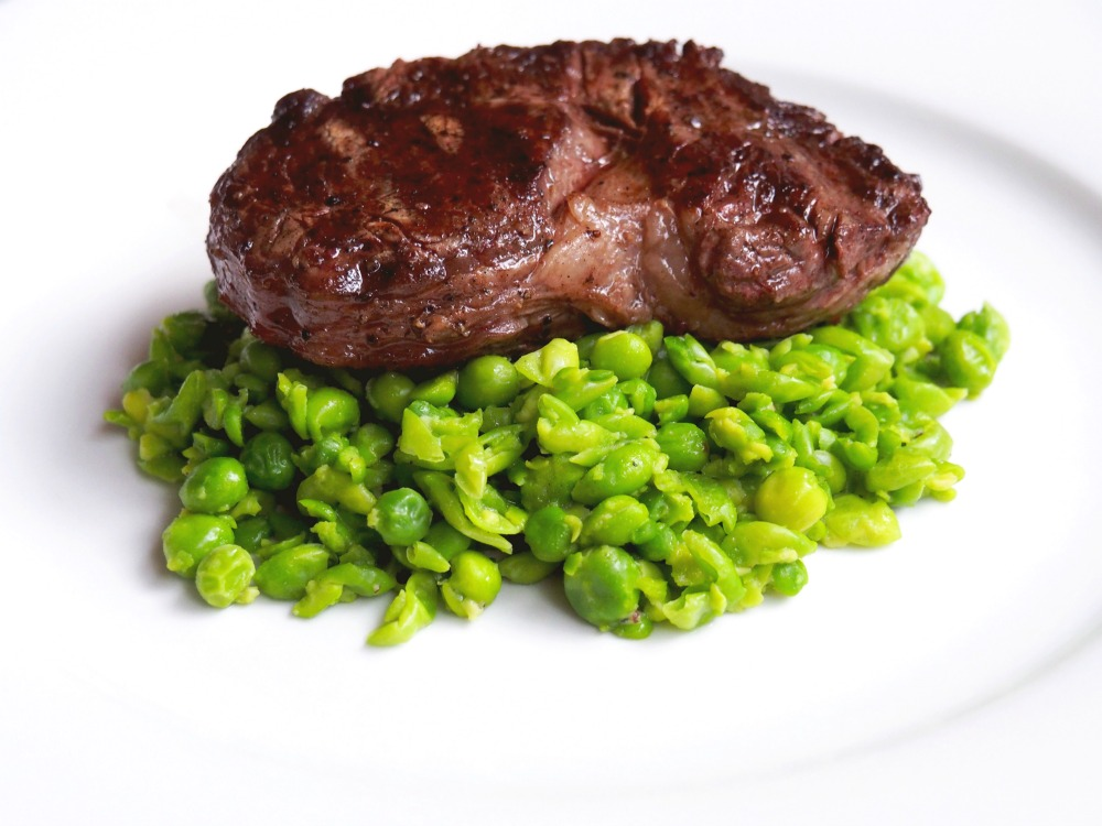 Steak with smashed peas 4