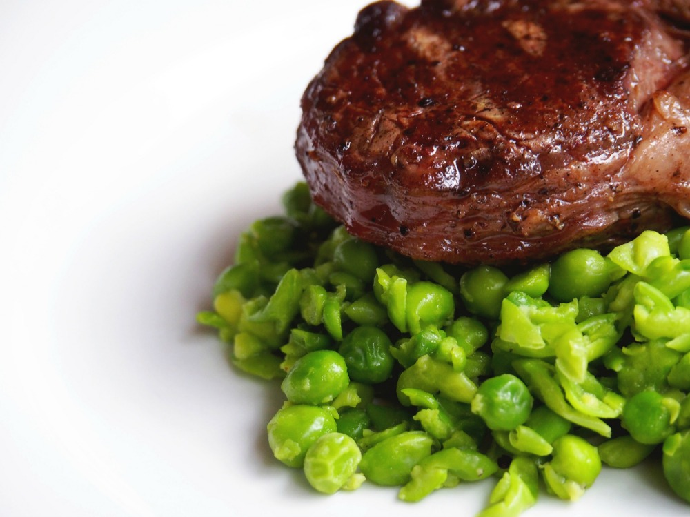 Steak with smashed peas 3