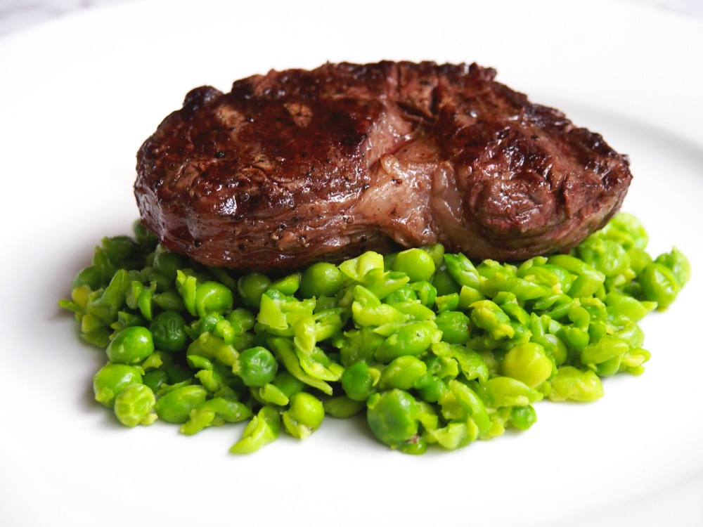 Steak with smashed peas 2
