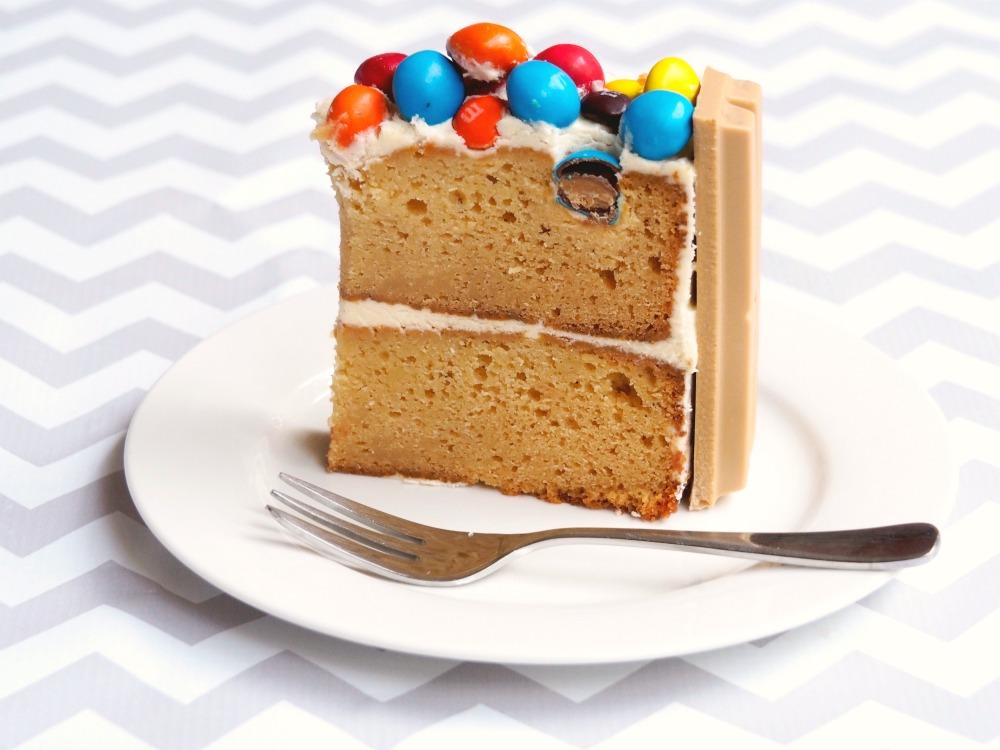 caramel kit kat cake 6