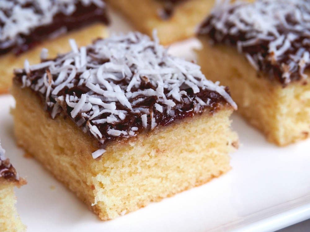 jamtastic-lamington-slice-6