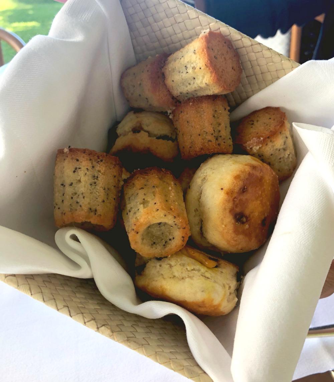 halekulani-afternoon-tea-scone-basket