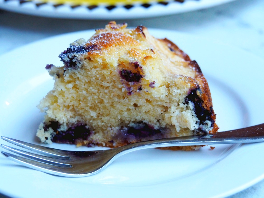 donna hay apple-blueberry-cake-4