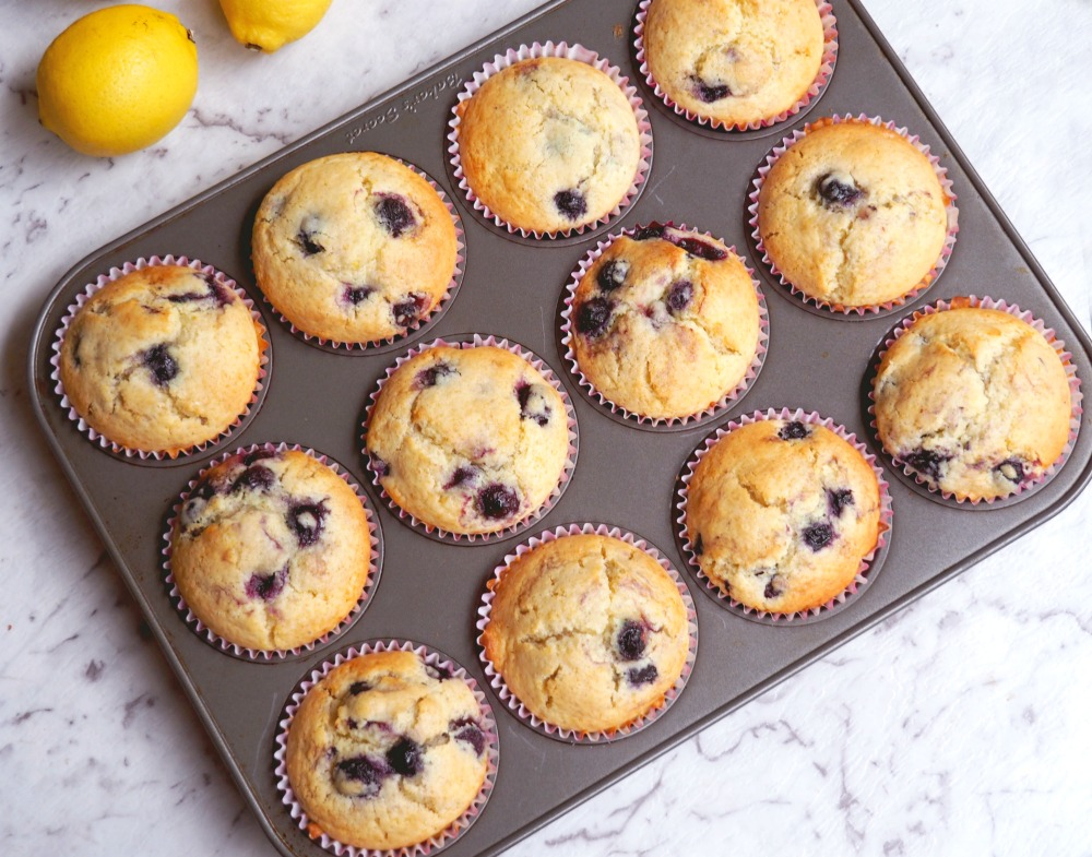 lemon-and-blueberry-muffins-4