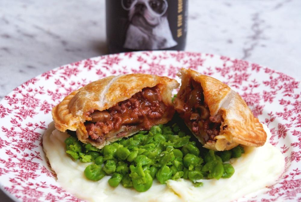 minced-beef-bourguignon-pies-2