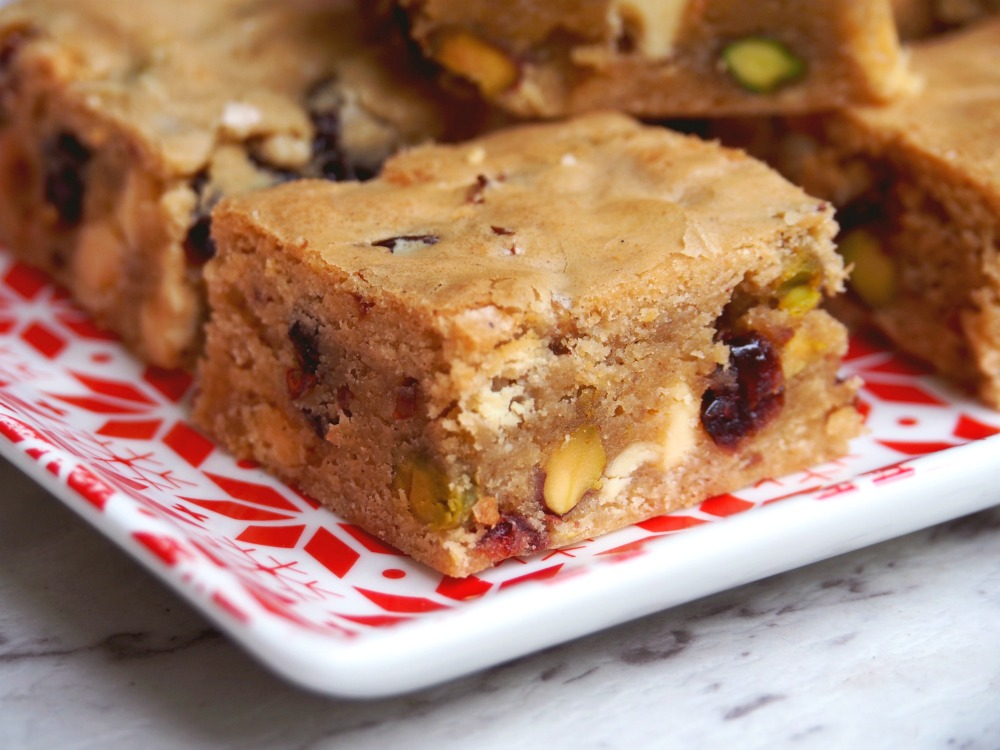 cranberry white chocolate pistachio blondies