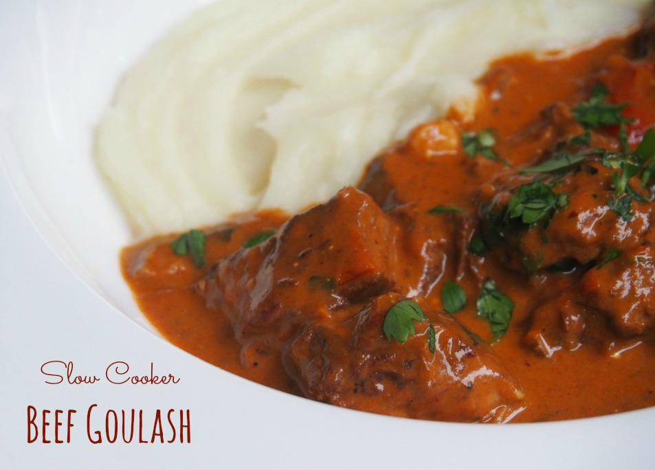 slow cooker beef goulash title