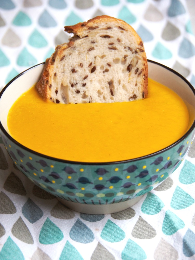 thermomix thai pumpkin soup with bread