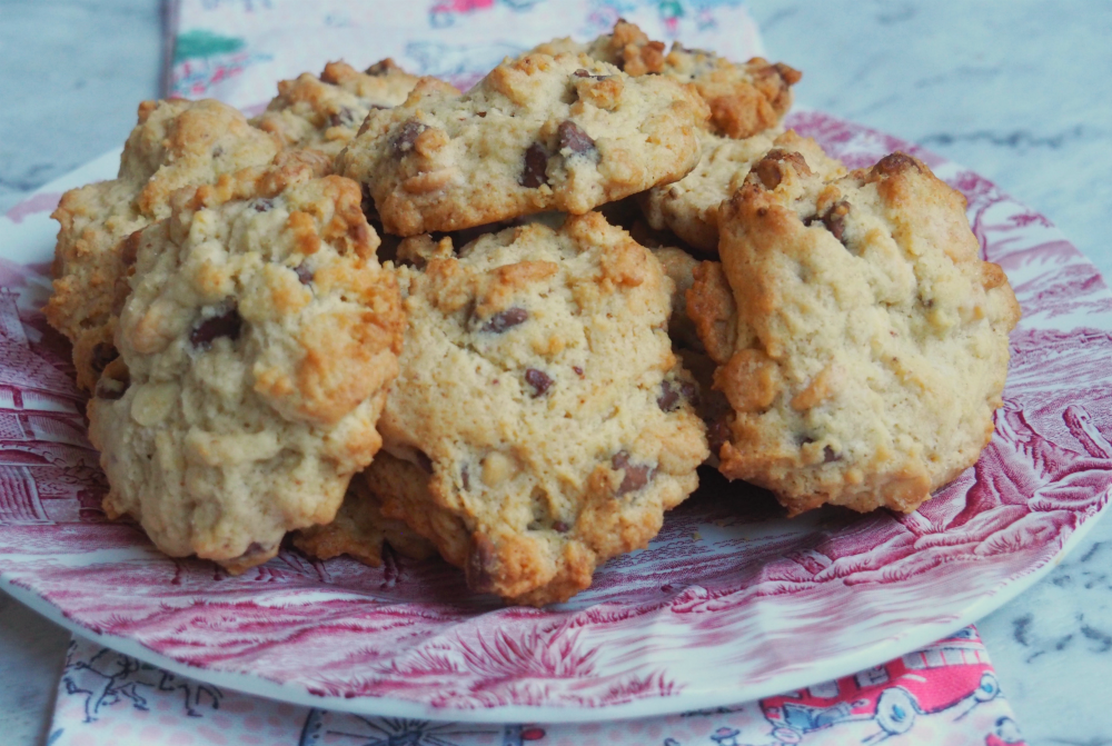 plate of easy choc chip rock cakes