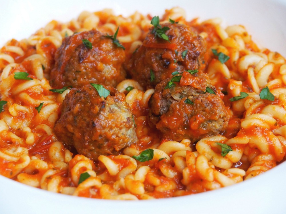 pasta and tuna balls serving