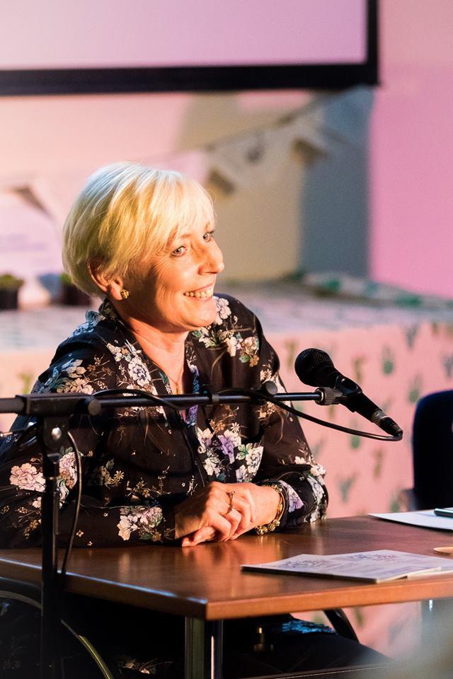 Carole Matthews author speaking at event