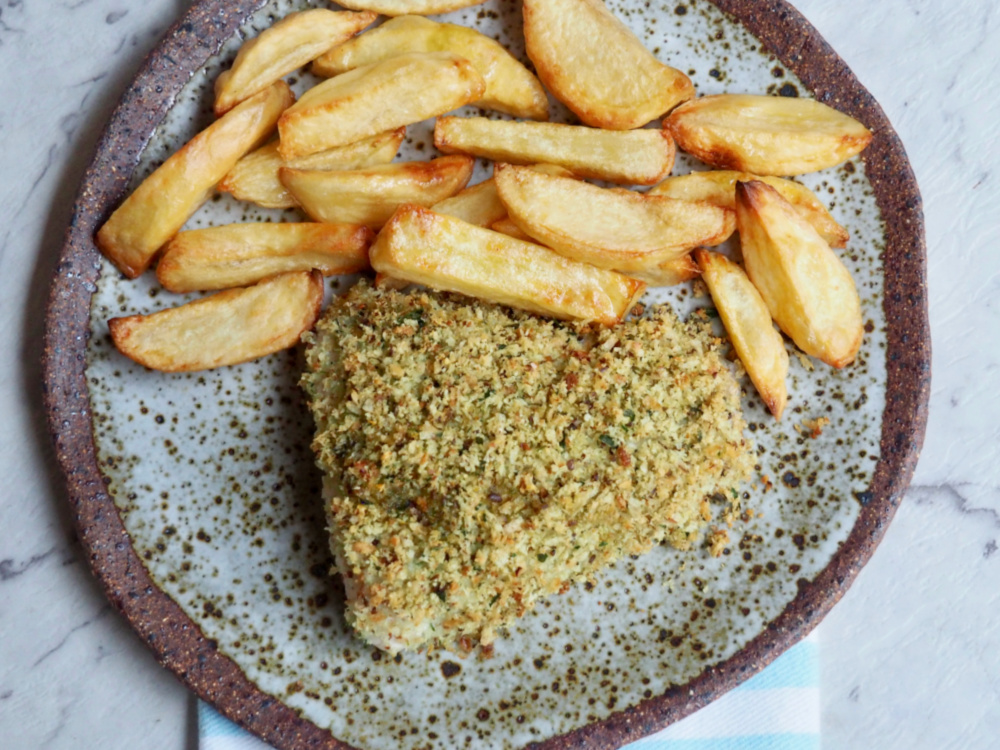 oven baked fish and chips on a plate
