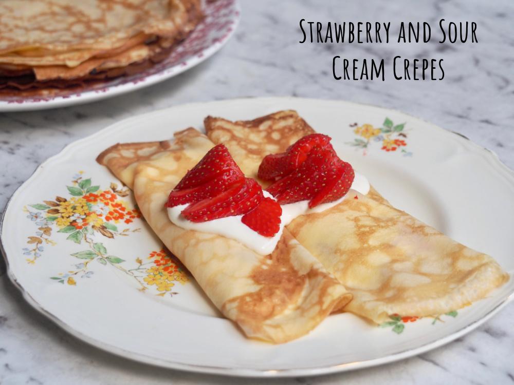 strawberry sour cream crepes