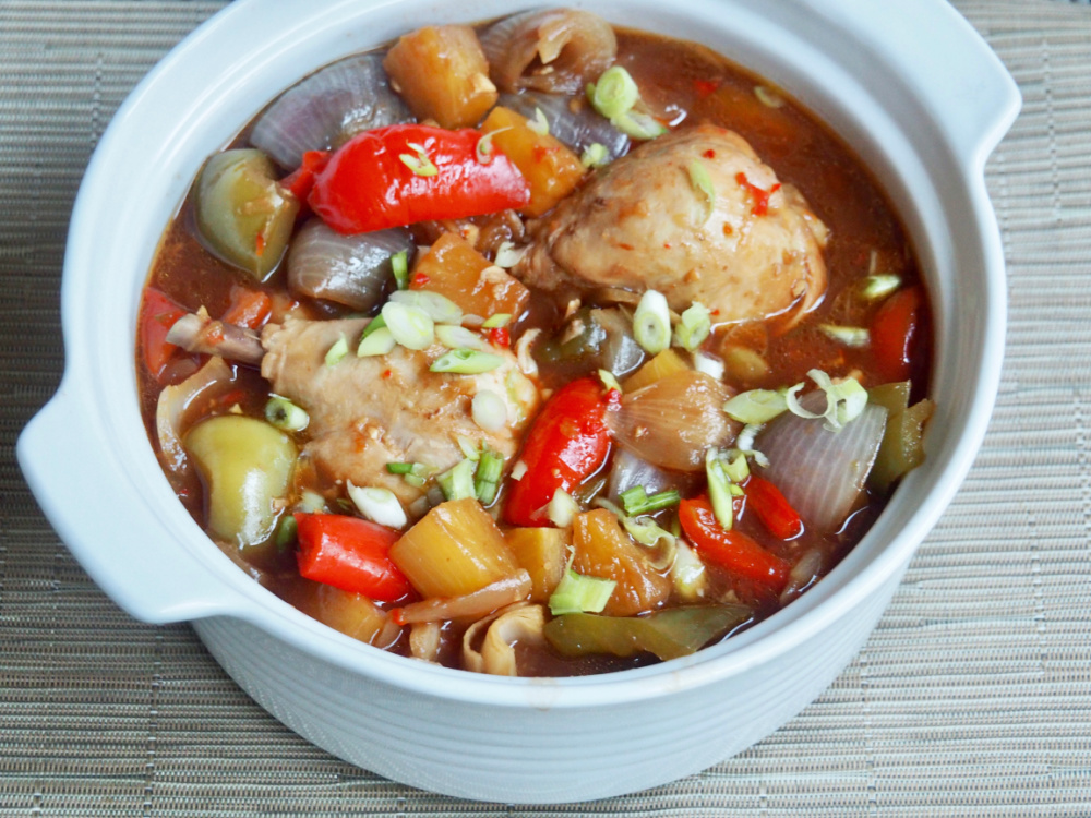 slow cooker sweet and sour chicken in casserole dish