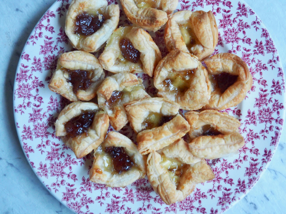 plate of fig jam and brie bites