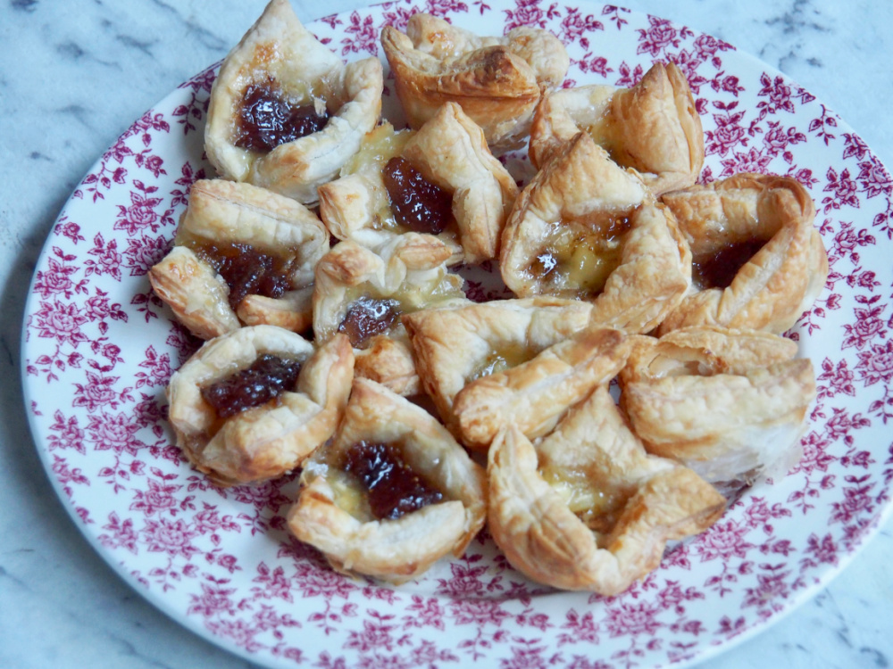 plate of brie and fig jam bites